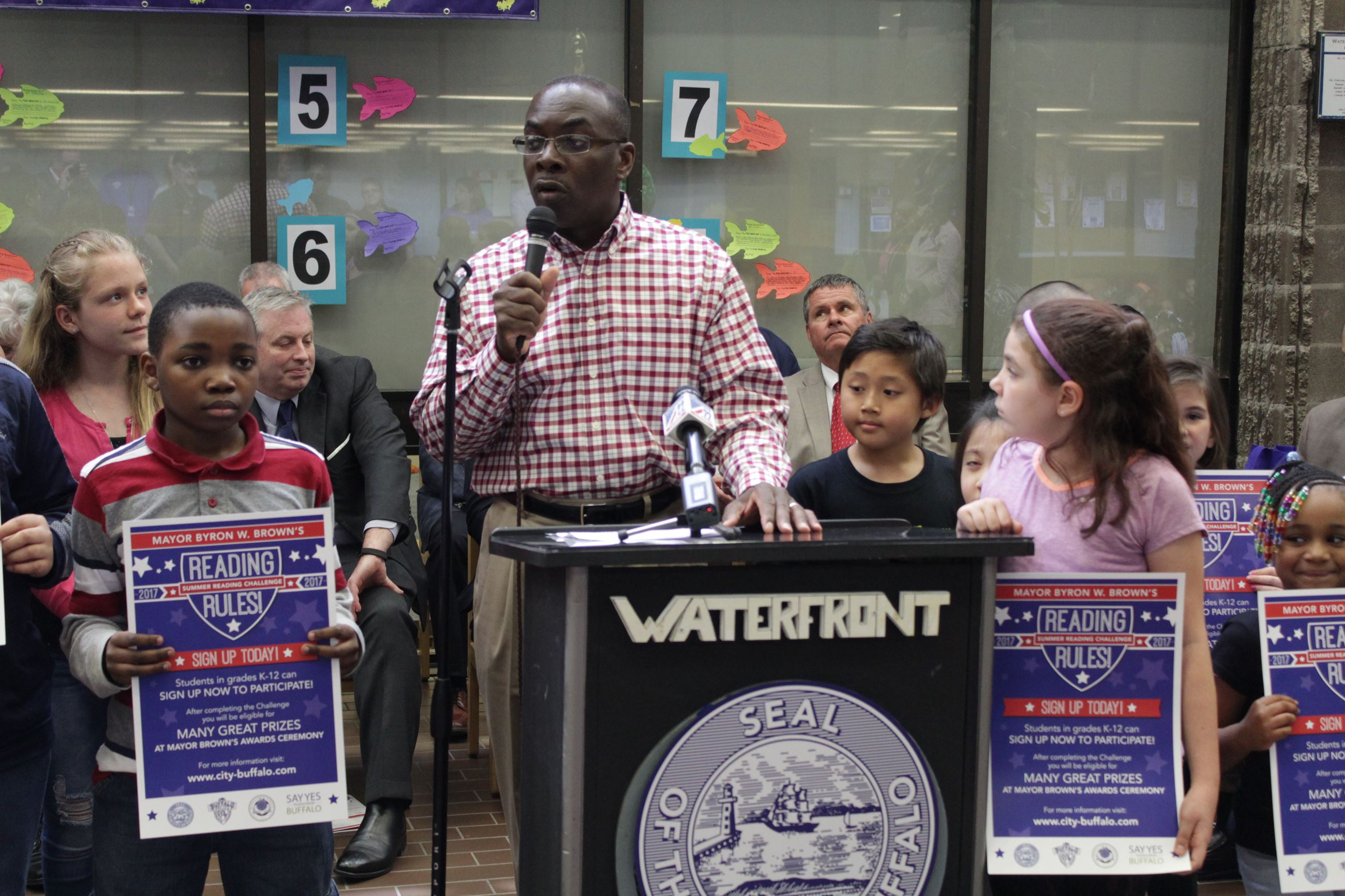 Mayor Brown Kicks Off 16th Annual Summer Reading Challenge